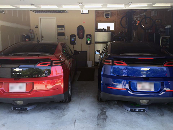 A two Volt garage with two Plugless systems